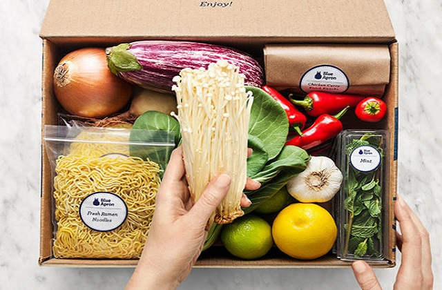 Auto-Lock Food Subscription Boxes