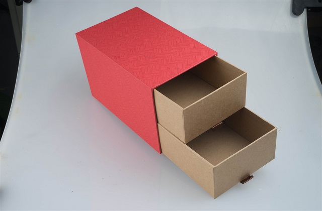 easily modifiable cardboard boxes